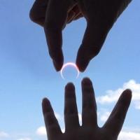 Barbatii si inelul de logodna
